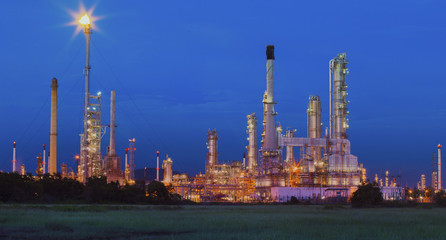 beautiful lighting of oil refinery in petrochemical industry est