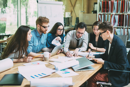 Teamwork brainstorming planning meeting concept.