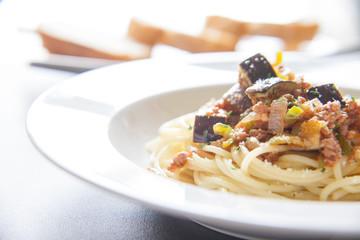 ナスとトマトソースのスパゲッティーニ