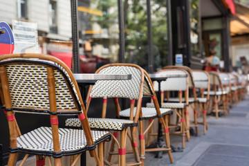 Let's eat in Paris!