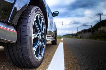 車のタイヤと道路