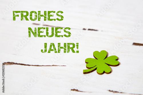 Hintergrund mit Kleeblatt-Frohes neues Jahr!\