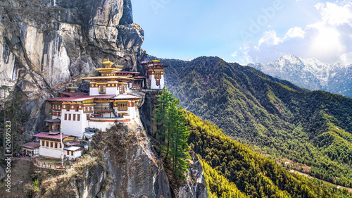 Wall mural Taktshang Goemba or Tiger's nest Temple or Tiger's nest monastery the beautiful buddhist temple.The most sacred place in Bhutan is located on the high cliff mountain with sky of Paro valley, Bhutan.