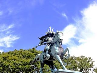 楠正成の騎馬像