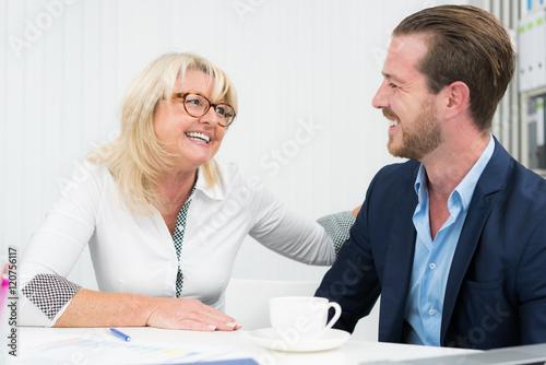 flirt am arbeitsplatz verheiratet Sexuelle belästigung am arbeitsplatz ist kein flirt, sondern eine besonders unprofessionelle form der machtausübung.
