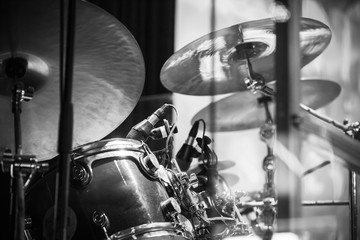 Drum set, black and white