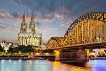 Köln Dom mit Brücke