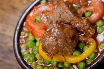 Beef with peas in tagine