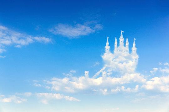 Luftschloss in den Wolken