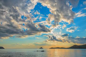 Закат на море. Закат на Побережье Японского моря, полуостров Гамова, поселок Витязь.