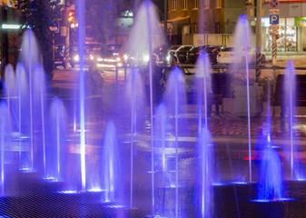 Синяя подсветка плоскостного светомузыкального фонтана