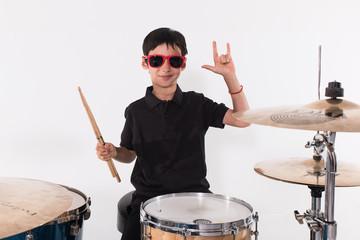 Giovane batterista rock