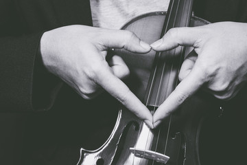 music lover, hand sign on classical violin