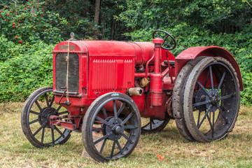 Traktor 80 Jahre alt