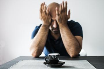 caffè e disperazione la mattina presto