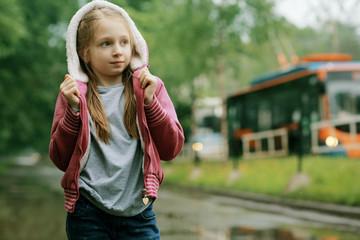 girl 6 years old Spring rain