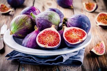 Fresh ripe figs in a bowl closeup