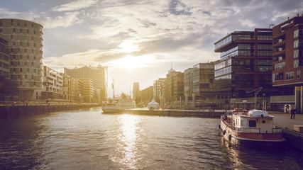Sonnenuntergang in der Hamburger Speicherstadt