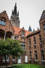Ancien hôpital Saint-Jean et église Notre-Dame à Bruges