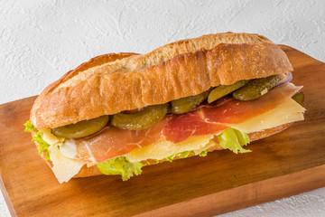 生ハムのサンドウィッチ Sandwich of the typical raw ham
