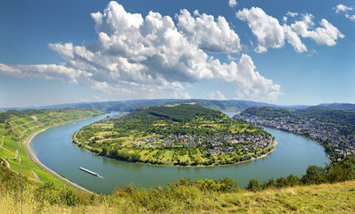Famous popular Wine Village of Boppard at Rhine River, middle Rhine Valley, Germany. Rhine Valley is UNESCO World Heritage Site Fototapete
