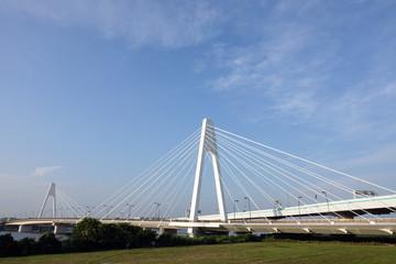 青空の大師橋_386