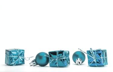 Bilder und videos suchen geschenkpakete - Blaue christbaumkugeln ...
