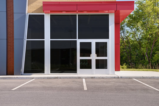 Unoccupied generic store front, business or professional office space.