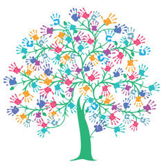 Baum mit bunten Handabdrücken