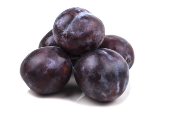 a small bunch of sweet ripe blue plums