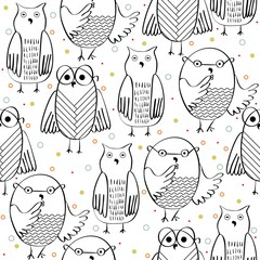 Vector hand drawn seamless pattern with owls