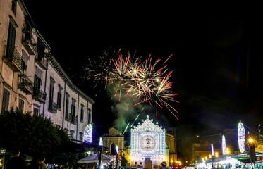 Festa patronale di Maria santissima Regina Incoronata dell'Olmo a Cava de' Tirreni con fuochi d'artificio e faville 7