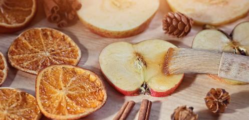 Prepare candied winter fruit