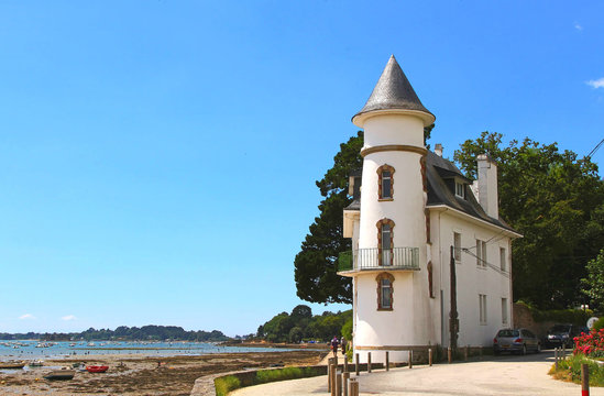 White house on the Gulf of Morbihan, Brittany, France