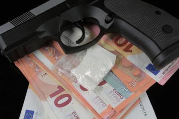 pistolet et argent 21092016