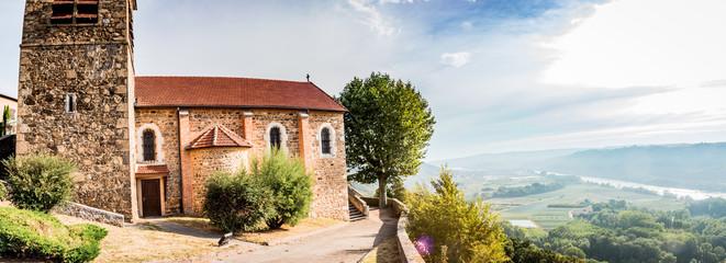 Panorama sur la vallée du Rhône et l'église Notre-Dame-de-Semons