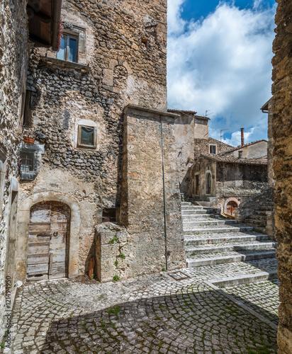 Santo Stefano di Sessanio Italy  city photos gallery : Santo Stefano di Sessanio, L'Aquila Province, Abruzzo Italy
