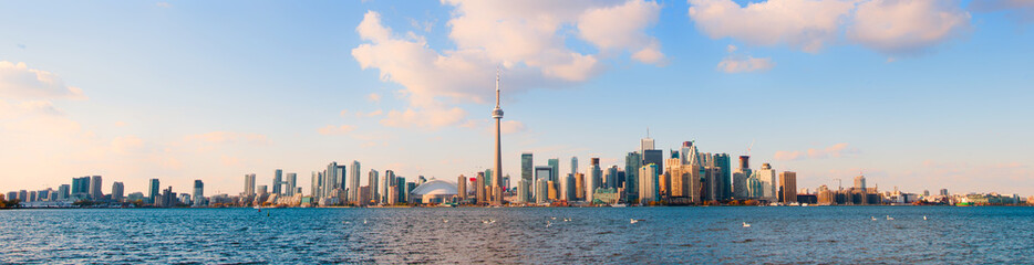 Printed roller blinds Toronto Panoramic view of Toronto skyline
