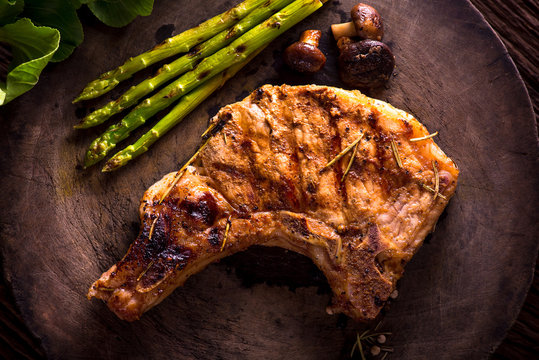 Grilled pork chops and asparagus.