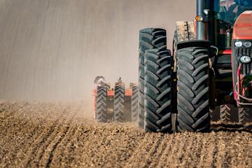 Tractor field works Fototapete