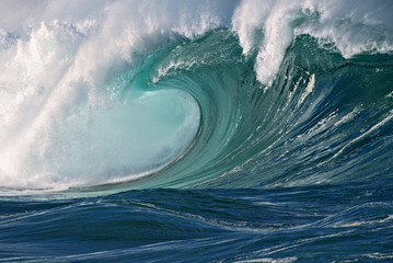 Empty Wave - Waimea Bay Shorebreak, Oahu, Hawaii