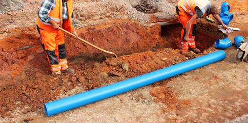 Straßenbauarbeiten, Kanalisation