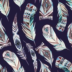 Modèle sans couture de plumes tribales aquarelle abstraite