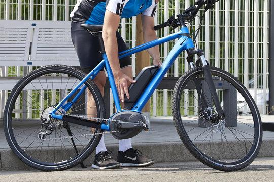 Akkuwechsel E-Bike Mountainbike