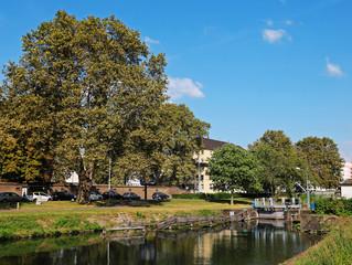 canal et écluse à Strasbourg