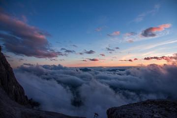 Foto op Canvas Scandinavië Testa fra le nuvole