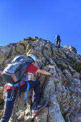 Zwei Kletterer im Klettersteig