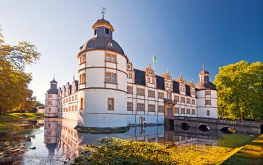 Wasserschloss Schloss Neuhaus in Paderborn, Westfalen