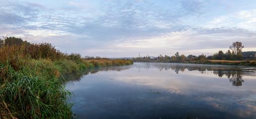 осенний пейзаж на Уральской реке Иртыш, Россия