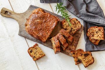 Recess Fitting Appetizer cake aux pruneaux